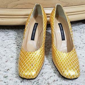 Sesto Meucci Gold Snakeskin-look heels, sz 5.5